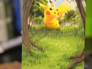 Ilustradora resolveu reciclar os seus antigos cards Pokémon