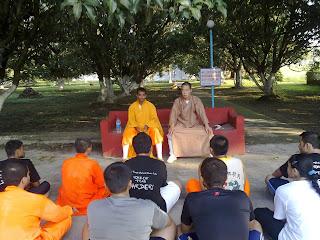 Shifu Kanishka Sharma and Shifu Yang Fang with students
