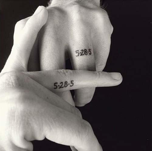 wedding ring finger tattoo date yüzük parmağı tarih dövmeleri