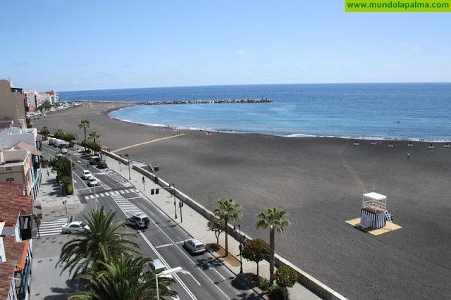 El Ayuntamiento de Santa Cruz de La Palma recupera las sesiones gratuitas de gimnasia de mantenimiento en la playa