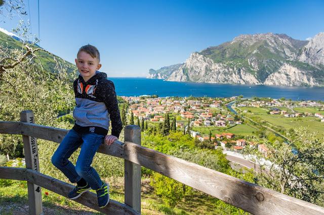 jezioro garda, kempingi nad gardą, podróże są spoko, wakacje z dzieckiem