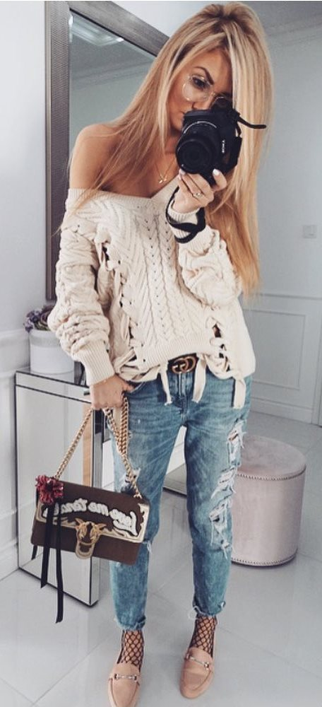amazing casual style outfit: knit + bag + rips