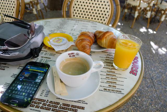 De Paris à Narbonne en vélo, Petit déjeuner