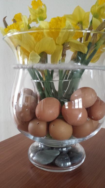 Osterdeko Eier im Glas