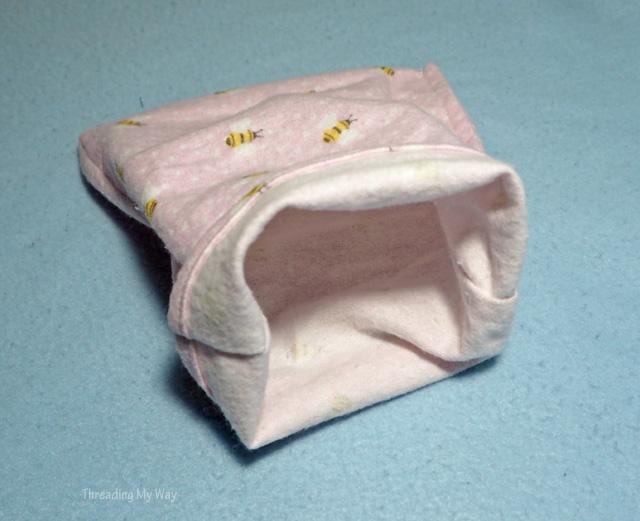 Sewing joey pouches to help injured Australian wildlife ~ Threading My Way