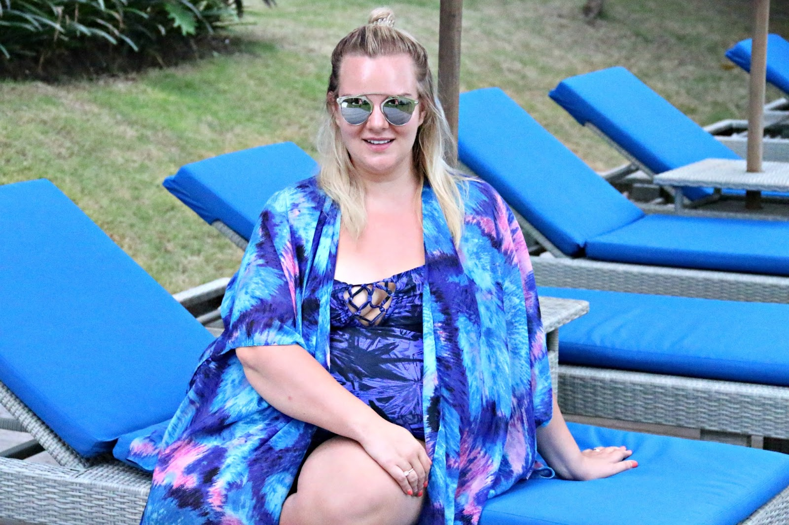 Yours Clothing Plus Size Swimwear on UK Blogger WhatLauraLoves