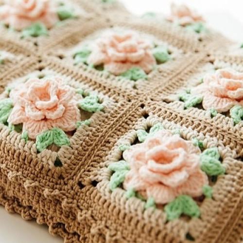Crochet Blanket with Roses - Tutorial