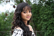 Actress Nithya Shetty in Padesave Movie-thumbnail-8