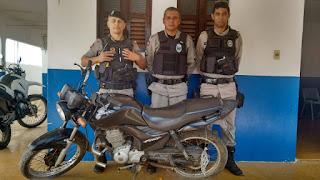 Durante patrulhamento PM encontrara moto roubada abandonada na região rural de Nova Floresta