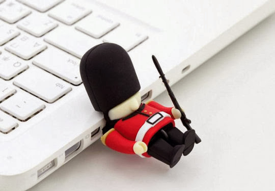 Awesome USB Drives (15) 13