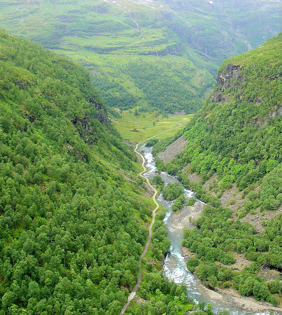 Followed by a sweeping view of Flåm Valley as seen from the side openings in one of the tunnels we traversed.