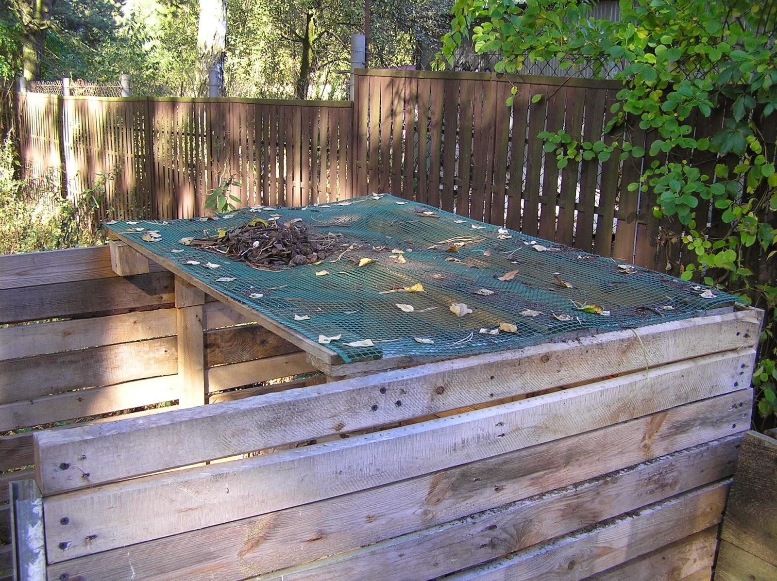 drewniana skrzynia kompostowa