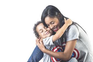 Insônia da mãe pode influenciar no sono de filhos pequenos