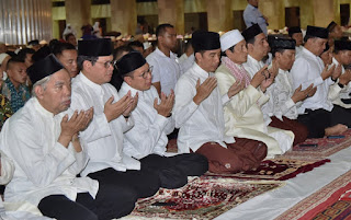 Ramadhan Pertama Presiden Tarawih Di Masjid Istiqlal