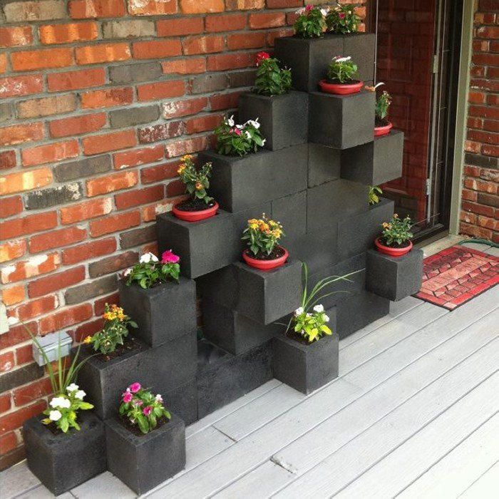 STUNNI%257E1 25 Stunning Planter Concrete Blocks Alternatives to Transform Your Backyard And That Are All Your Front Porch Needs Interior