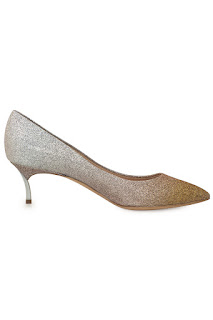 http://www.laprendo.com/SG/products/38028/CASADEI/Casadei-Blade-Apricot-Sorbet-Glitter-Pumps?utm_source=Blog&utm_medium=Website&utm_content=38028&utm_campaign=05+Sep+2016