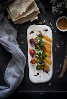 Ensalada de salmón y naranja con vinagreta de eneldo