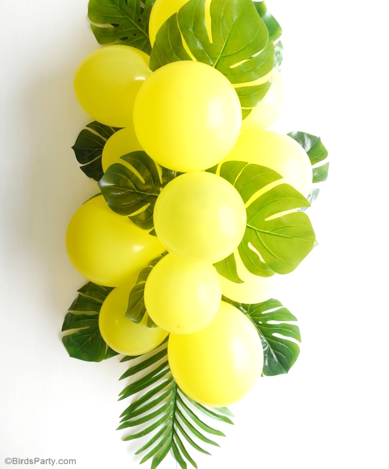 Balloon Garland Centerpiece : Diy balloon fronds tropical party centerpiece