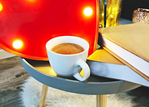 Domowy przepis na gorącą czekoladę z cynamonem -  prosty, szybki, pyszny.