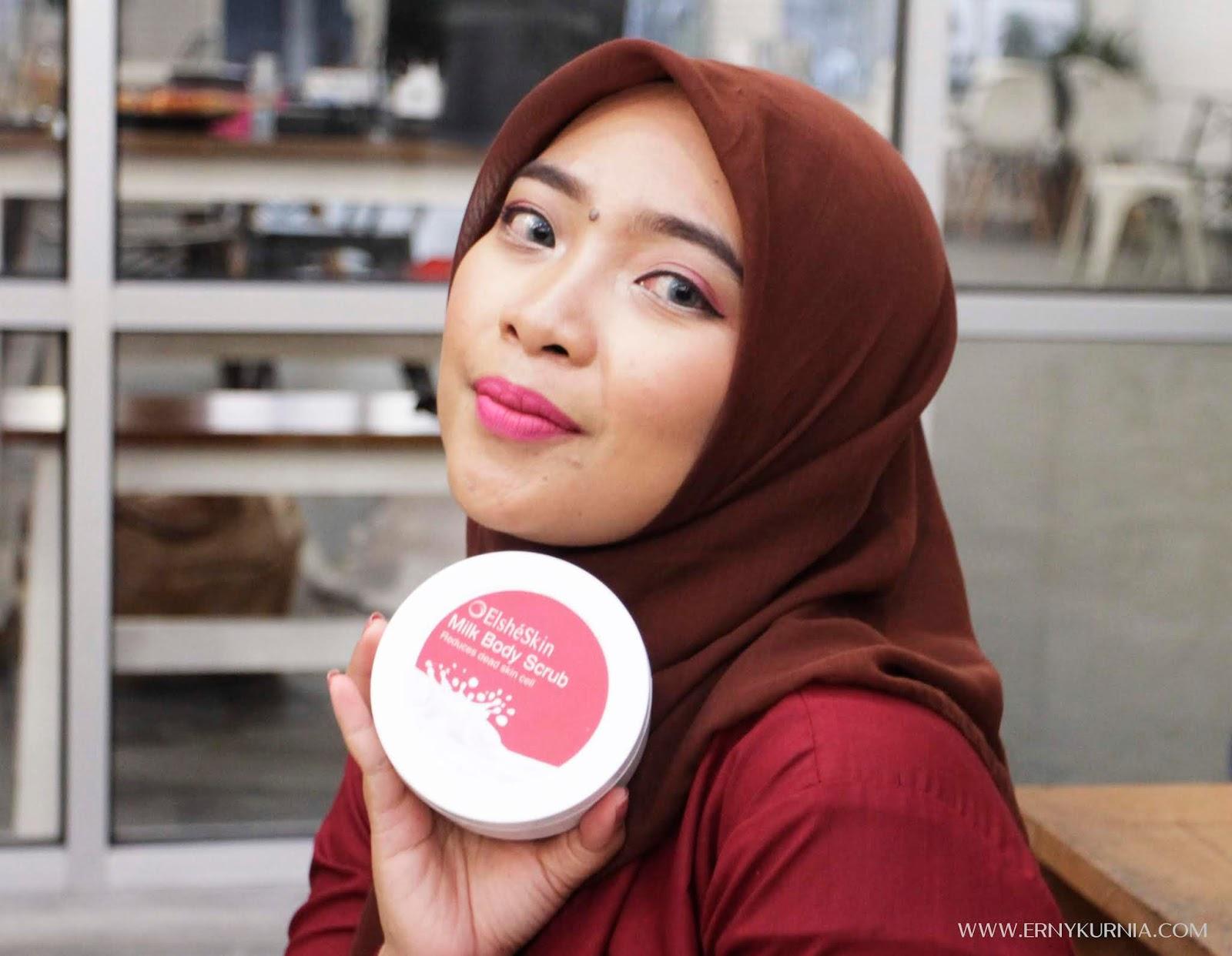 Mencoba Lips Product Dan Body Scrub Elshe Skin Ernys Journal Elsheskin Lip Sugar Pertama Kali Saya Notice Dengan Teksturnya Yang Creamy Butiran Ramah Di Kulit Aromanya Sendiri Seperti Susu Vanilla