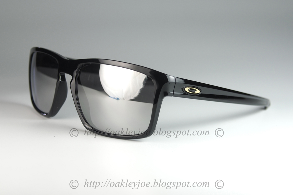 3dcb82d3aff lens pre coated with Oakley hydrophobic nano solution comes with complete  original Oakley package. Custom Sliver grey smoke + 24k iridium  225