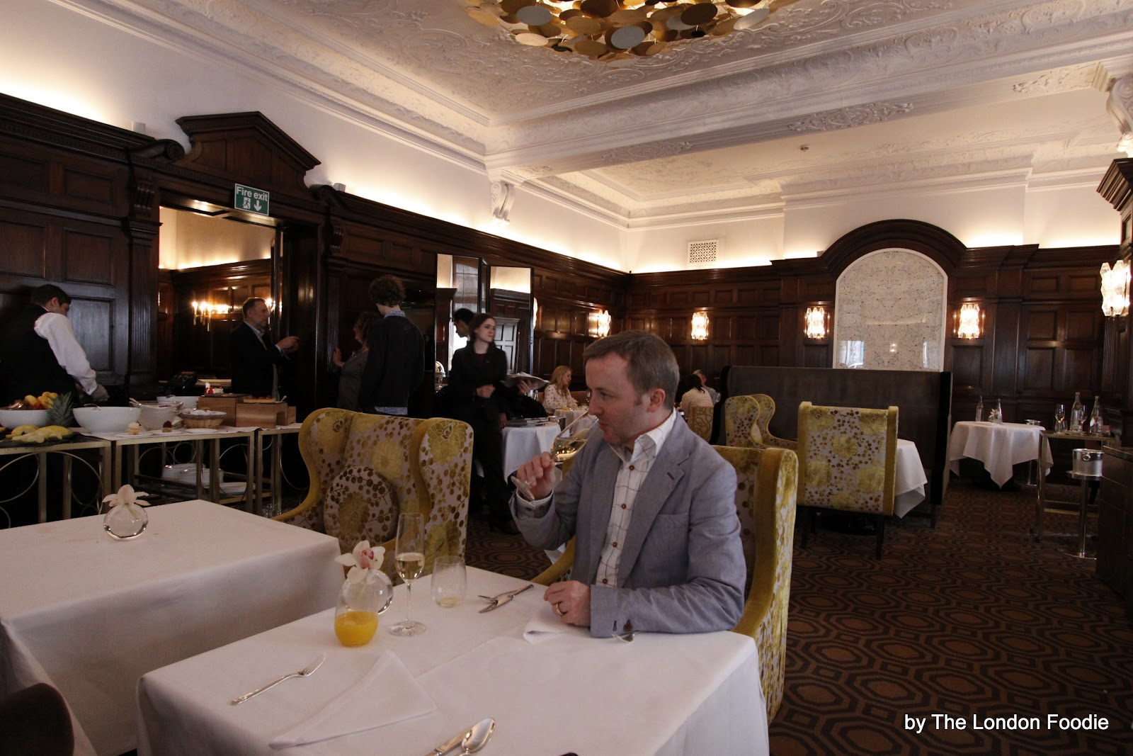 the london foodie h l ne darroze 39 s saturday brunch at the connaught. Black Bedroom Furniture Sets. Home Design Ideas