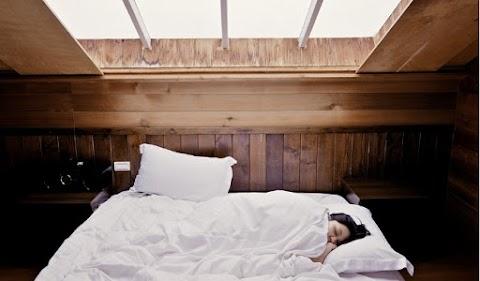 Menilik Bed Cover dengan Bahan Terbaik yang Tidak Membuat Gerah