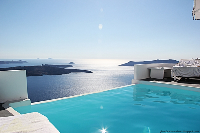 Chromata hotel infinity pool