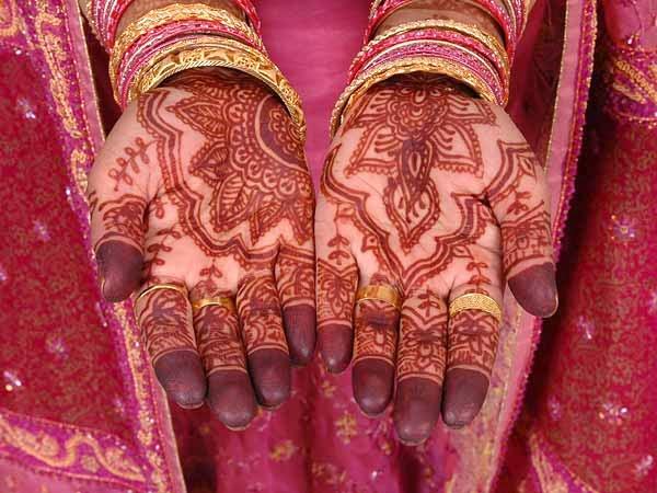 Henna Tattoo Haram: The Bride Theory: Penggunaan Mahendi Pengantin Dalam