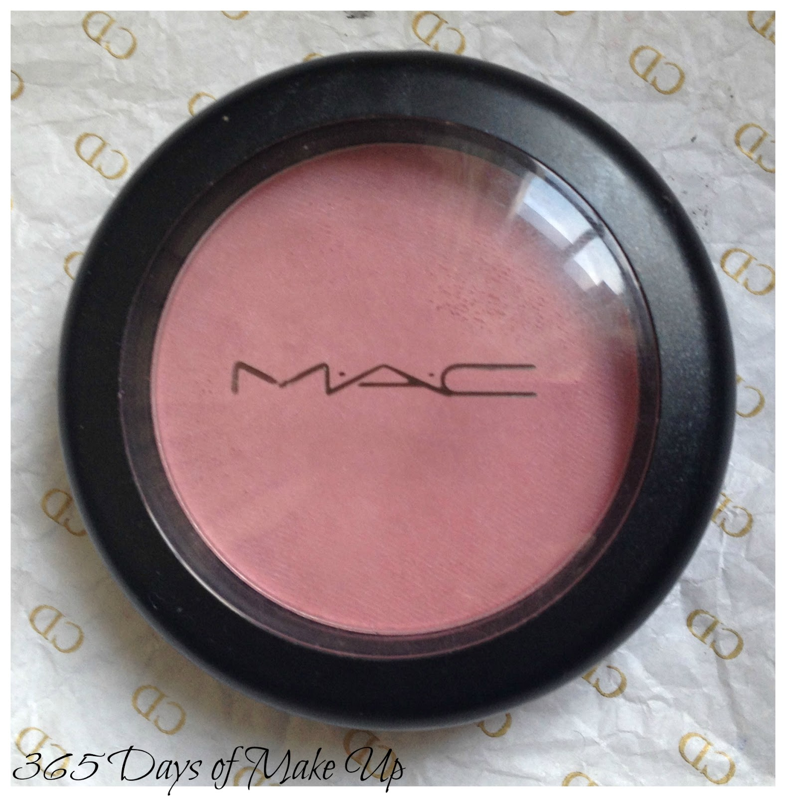 a2271311 So, I just own two Mac blushes and I already reviewed one. Today I am  reviewing the other Mac blush I own, which is called Dame.