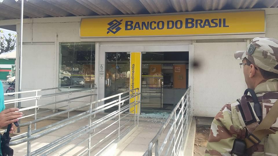 Resultado de imagem para itapetim- assalto abanco brasil
