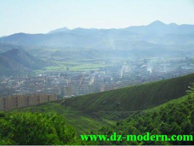 صورة مدينة عمي موسى خلال فصل الربيع