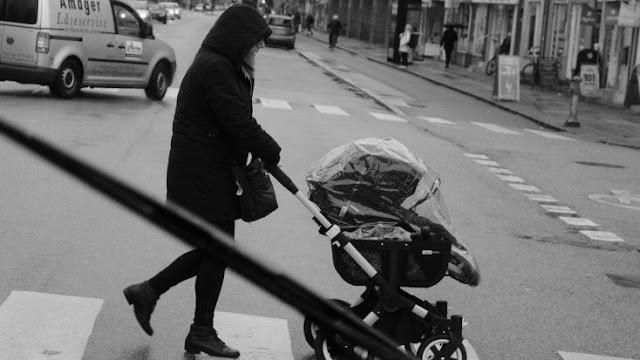Em um carrinho de bebê