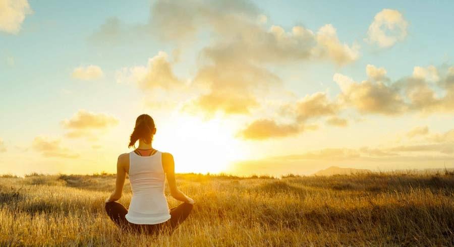 Supera tus pensamientos negativos a través de la meditación
