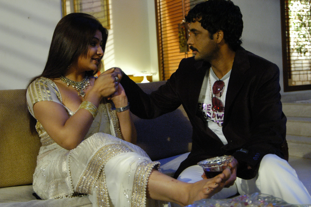 Actress archana hot romance - 3 4