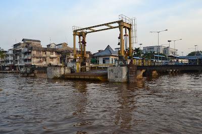 Pelabuhan Kapal feri di Kota Pontianak
