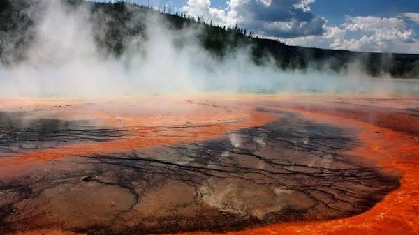 USGS ADVIERTE: De Emisiones de Gases Venenosos Del Volcán Yellowstone 😮