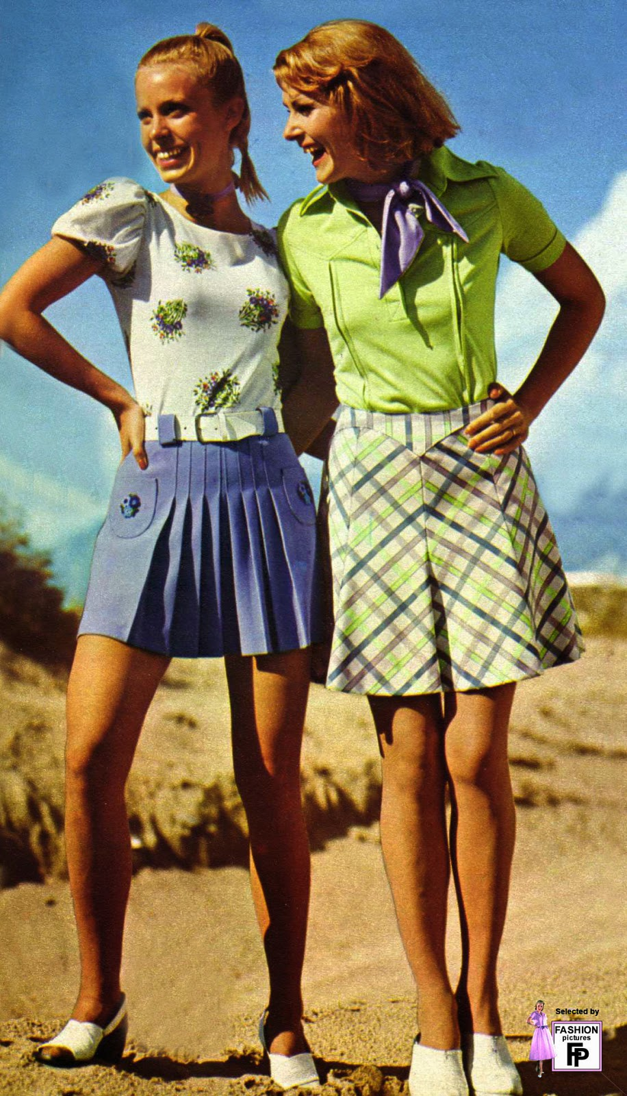 Colorful Women S Street Fashions In The Early 1970s