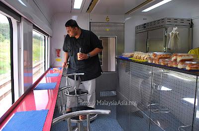 Cafeteria ETS Train