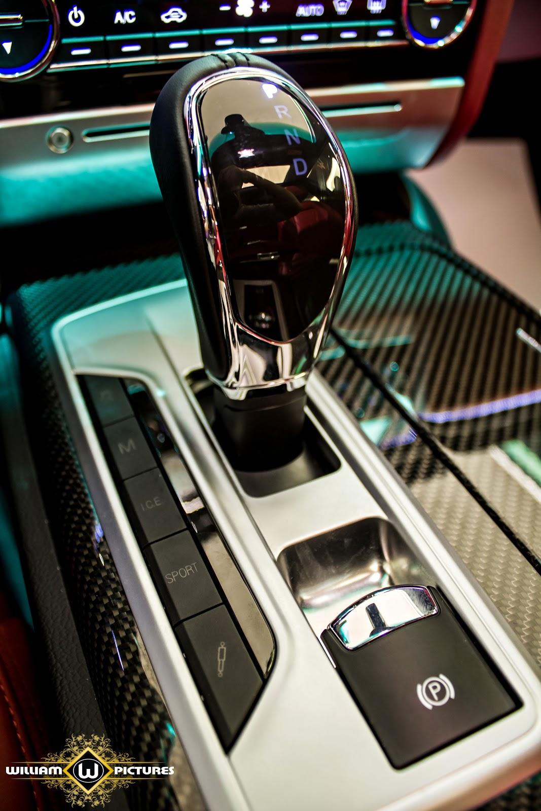 Hộp số tự động 8 cấp, cho xe tăng tốc nhanh, êm ái và mượt mà trên đường