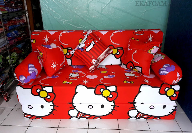 Sofa bed inoac motif Hello kitty merah