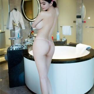 foto wanita cantik tanpa pakaian