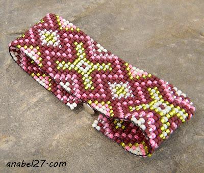 браслет из бисера в этническом стиле