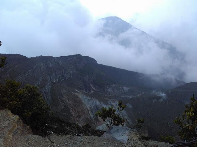 Pemandangan di Gunung Gede Pangrango