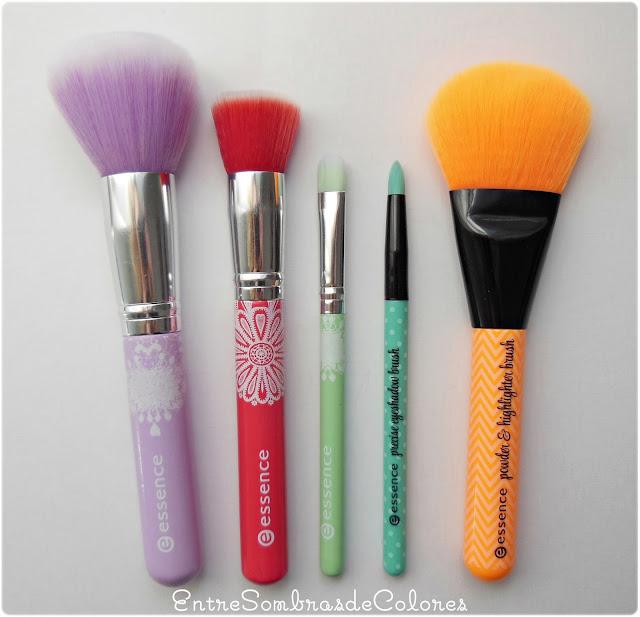 brochas y pinceles maquillaje Essence