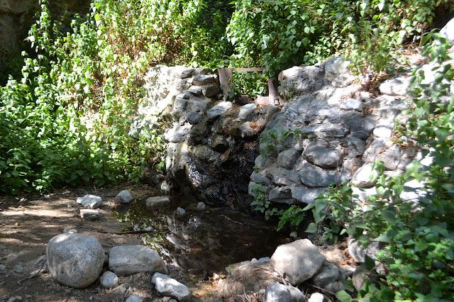 short rock dam