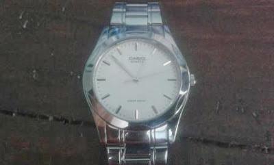 hadiah jam tangan
