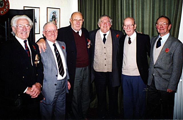 The Eagle & Gun Regimental Association members (1994)