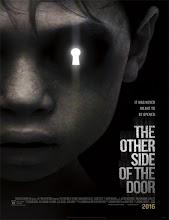 El otro lado de la puerta (2016) [Latino]