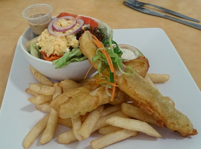 Rob's Place, Daintree Village, fish and chips